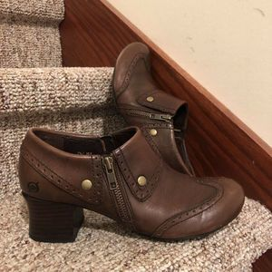 Born Women Boots Brown Heel Studded Leather 7.5 M